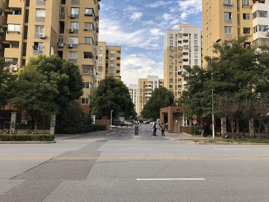 上海市浦东新区海鹏路301弄24号